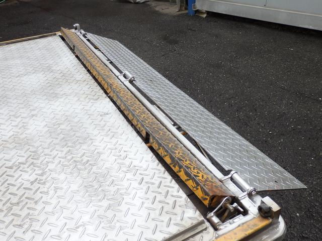 トヨタ ダイナトラック 2t ロングアルミバン パワーゲート付 NOx適合ディーゼル