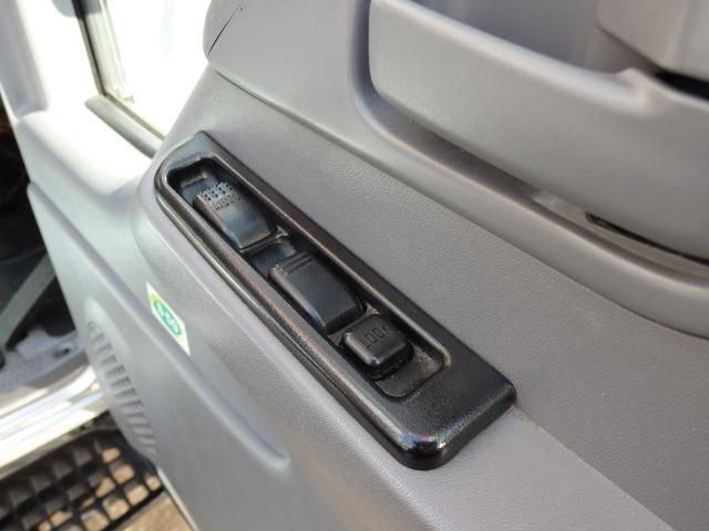日産 アトラストラック 1.65t Wキャブ アルミバン垂直式PG800kg新免対応