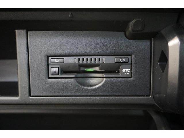 高速道路の乗り降りもノンストレス♪ビルトインタイプのETCを装備!取付もグローボックス内の目立たないところにしてあり、万が一の際も安心です。