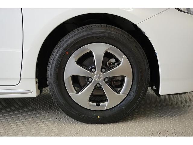 精度が高く、走行安定性に優れている純正アルミホイール!タイヤは当社にて4本とも新品に交換済みで、購入後も安心してお乗りいただけます♪
