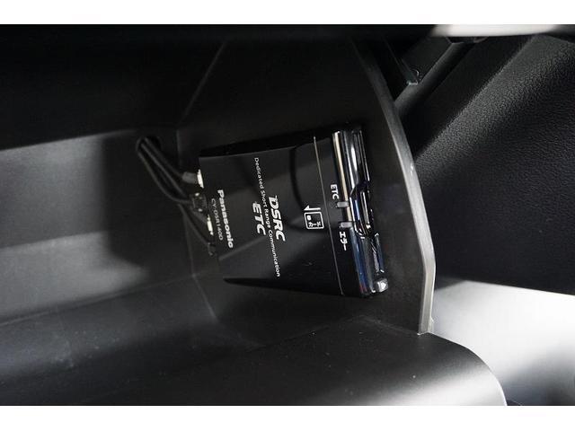 料金所をノンストップで通過することが出来るETCを装備!窓を開けなくて済むので、悪天候でも車内環境はいつも快適です♪