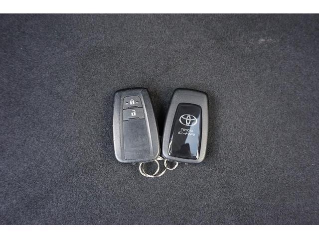 バッグなどに携帯しているだけで施錠や解錠も行えるスマートキー!キーは2個付なのでご家族で共有できて便利です♪