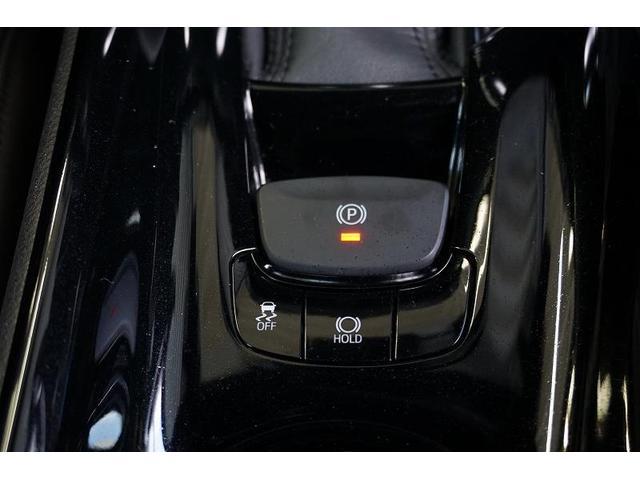 パーキングブレーキの作動と解除をスイッチ操作で行える「電動パーキングブレーキ」を装備しています!