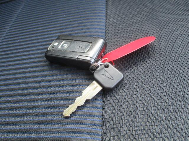カスタム XC エディション スマートキー 純正エアロ HIDヘッドライト フォグランプ 14インチアルミホイール 純正CDプレーヤー ドアミラーウインカー(23枚目)
