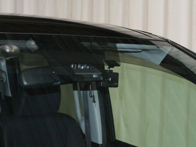 衝突軽減装置のトヨタセーフティセンス付きです!安心安全の装備は嬉しいですね!