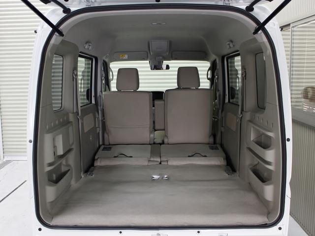 フラットにすれば更に多くの荷物を積み込めます。車中泊仕様のベットキット等々相談も承ってます。