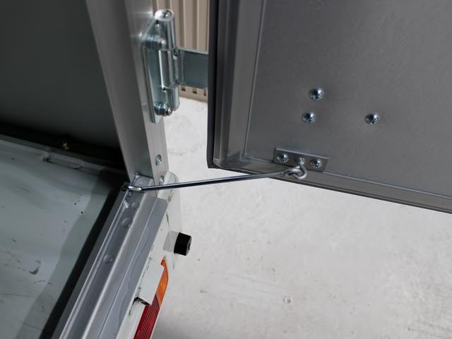 観音ドア用90度ストッパー付き!