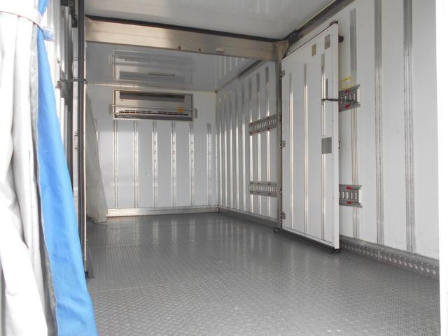 ワイドロング 冷凍冷蔵車(9枚目)