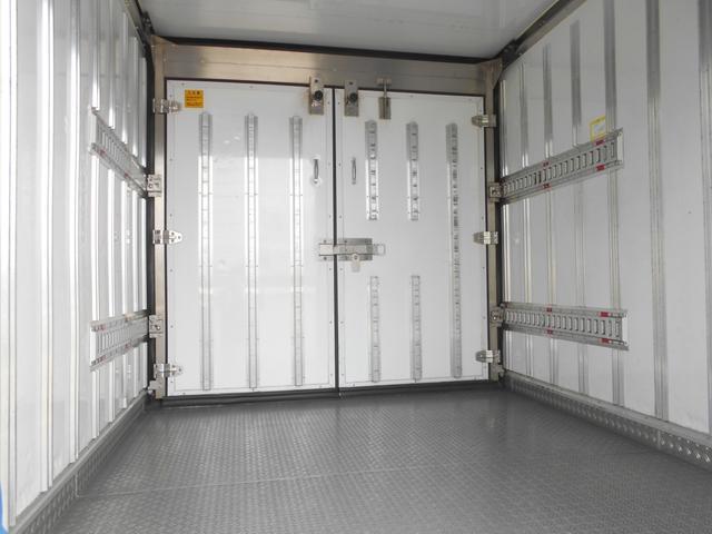ワイドロング 冷凍冷蔵車(10枚目)