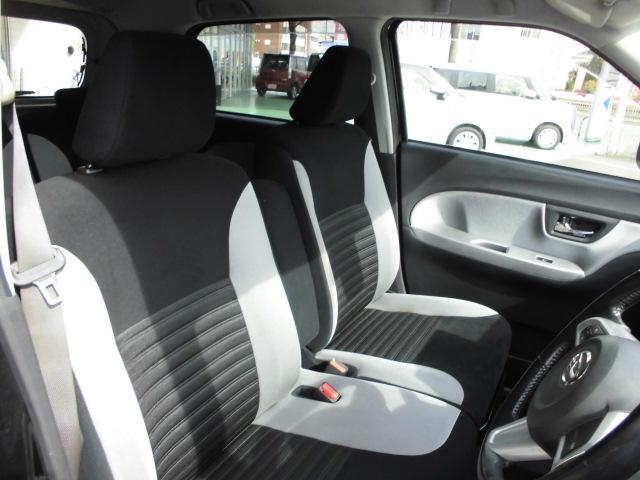 乗り降りしやすい運転席です☆シートもおしゃれな車ですよ(^o^)