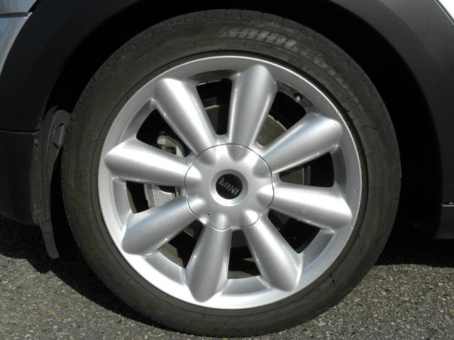 クーパーD クロスオーバー 特別仕様車 ワンオーナー KW車高調V2 キセノンヘッドライト クルーズコントロール 純正18インチ SDナビ地デジフルセグ ETC 正規ディーラー車 取説保証書 付属品 スペアキー 3ヶ月安心保証(14枚目)