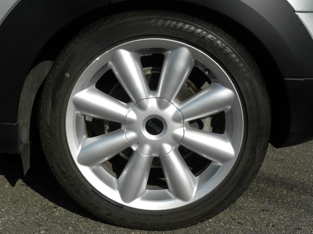 クーパーD クロスオーバー 特別仕様車 ワンオーナー KW車高調V2 キセノンヘッドライト クルーズコントロール 純正18インチ SDナビ地デジフルセグ ETC 正規ディーラー車 取説保証書 付属品 スペアキー 3ヶ月安心保証(15枚目)