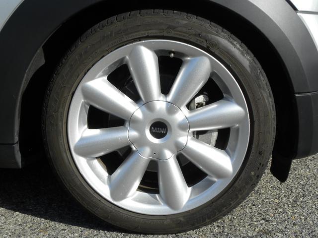 クーパーD クロスオーバー 特別仕様車 ワンオーナー KW車高調V2 キセノンヘッドライト クルーズコントロール 純正18インチ SDナビ地デジフルセグ ETC 正規ディーラー車 取説保証書 付属品 スペアキー 3ヶ月安心保証(17枚目)