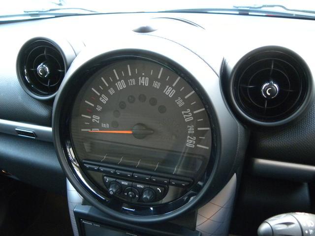 クーパーD クロスオーバー 特別仕様車 ワンオーナー KW車高調V2 キセノンヘッドライト クルーズコントロール 純正18インチ SDナビ地デジフルセグ ETC 正規ディーラー車 取説保証書 付属品 スペアキー 3ヶ月安心保証(21枚目)