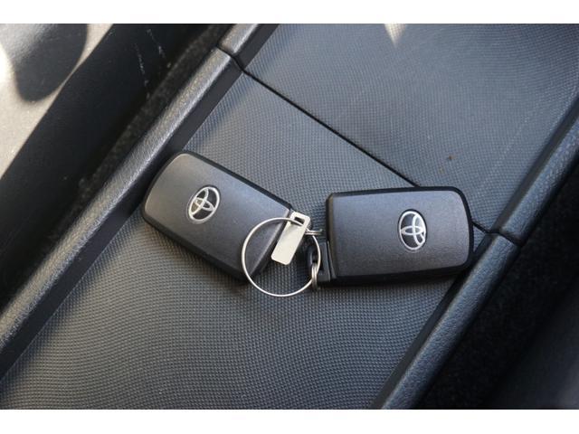 中古車にはうれしい1年無料保証つき!全国対応可でお近くのディーラーや認定工場で受けれる保証なので安心です!対応項目も151項目と豊富!