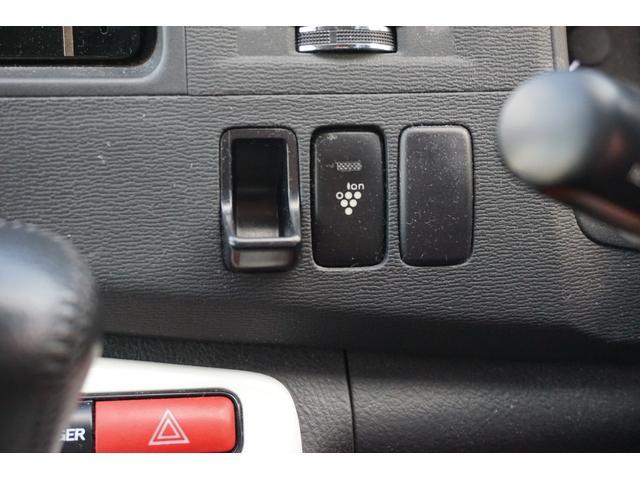 プラタナ Vセレクションホワイトインテリアパッケージ HDDフルセグ両パワ空気清浄後席モニター(23枚目)