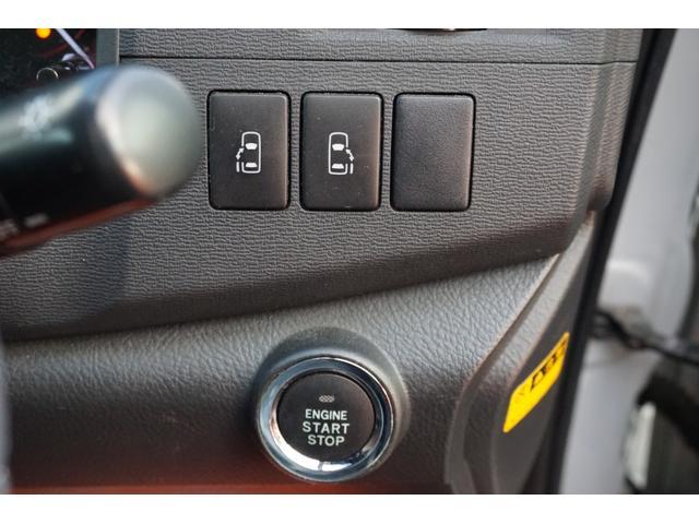 プラタナ Vセレクションホワイトインテリアパッケージ HDDフルセグ両パワ空気清浄後席モニター(26枚目)