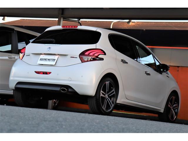 GTライン アイスエディション 1年保証付 240台限定 マットホワイト ・衝突軽減ブレーキ・前後ドライブレコーダー・ハーフ革シート・17AW・キセノンライト・クルーズコントロール・アイドルストップ・USB・BT・ETC・Bソナー(17枚目)