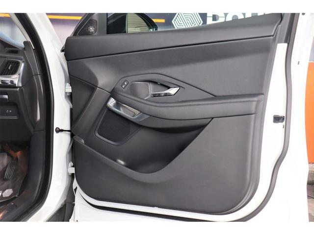 Sセンサリー・パフォーマンス・エディション 新車保証付 1オーナー・360カメラ・スマートキー・ETC・追従モード・LEDヘッドPシート・Pリアゲート・ハンドルヒーター・シートヒーター・黒革シート・衝突軽減B・Bluetooth・19AW(32枚目)