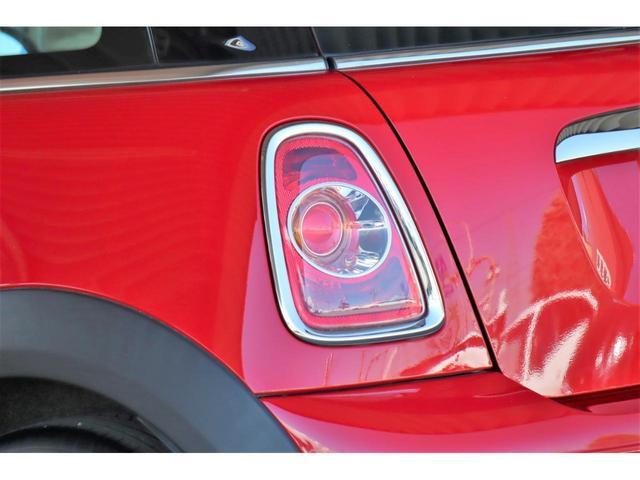 ワン 1年保証付・1オーナー・プッシュスタート・AUX・MINI BOOST CD・禁煙車・15インチホイール・電動格納ミラー・盗難防止装置(10枚目)