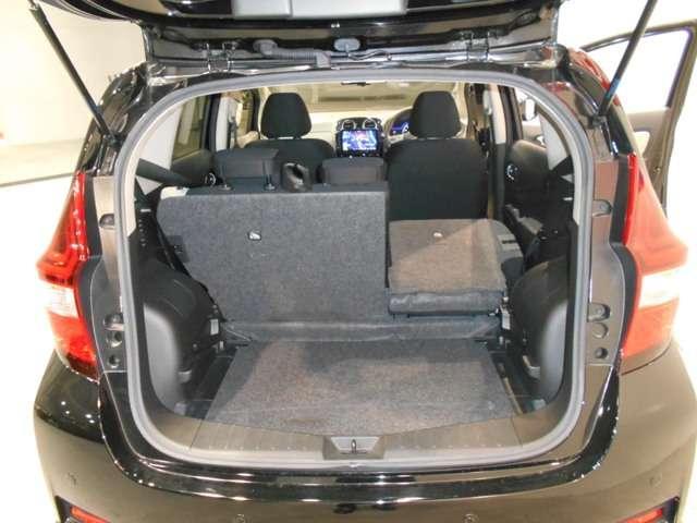 e-パワー X 1.2 e-POWER X パナソニック製の大画面メモリーナビ アラウンドビューモニター 衝突軽減ブレーキ 踏み間違い防止 15インチアルミホイール ETC 試乗車 禁煙車(10枚目)