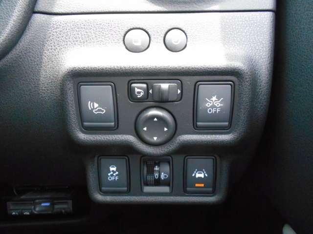 e-パワー X 1.2 e-POWER X 衝突軽減 車線逸脱警報 パナソニック製メモリーナビ(DVD再生・音楽録音) バックカメラ LEDライト オートライト ETC スマートキー(11枚目)