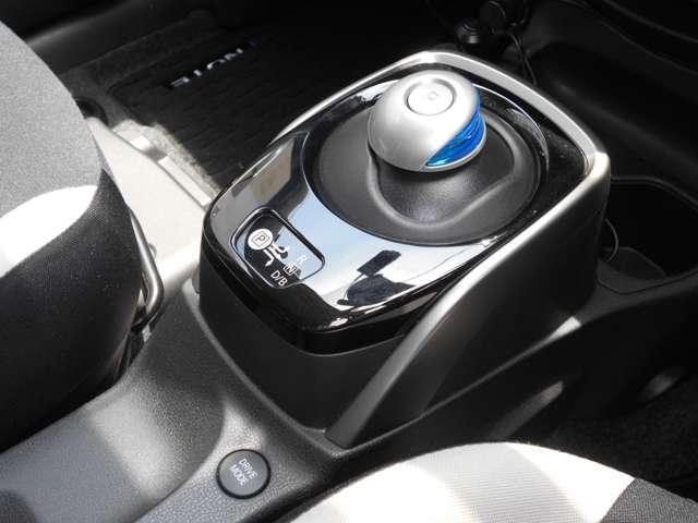 e-パワー X 1.2 e-POWER X 衝突軽減 車線逸脱警報 パナソニック製メモリーナビ(DVD再生・音楽録音) バックカメラ LEDライト オートライト ETC スマートキー(14枚目)