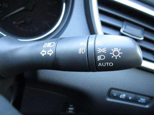 モード・プレミア ハイブリッド モードプレミアハイブリッド 衝突軽減ブレーキ 踏み間違い防止 オートクルーズ メーカーナビ(DVD再生・音楽録音) 全方位カメラ LEDライト オートライト ETC 18インチアルミ(14枚目)