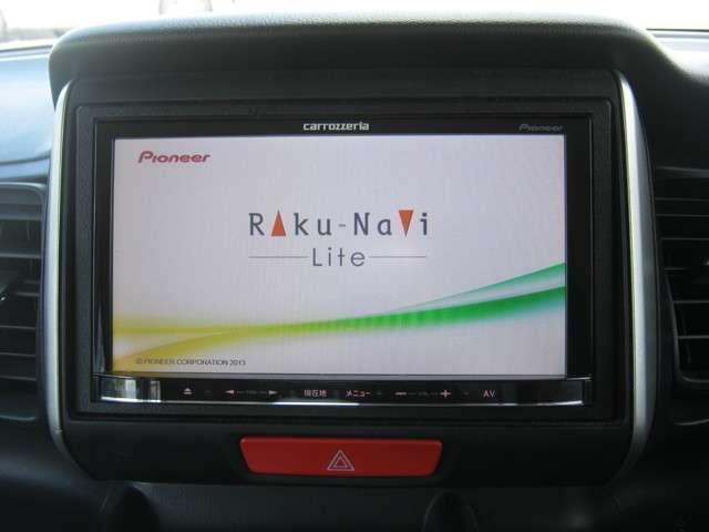 「カーナビ」 カロッツエリア製メモリーナビ付きで知らない土地のドライブも安心!CD、DVDビデオ、フルセグTVも楽しめます♪