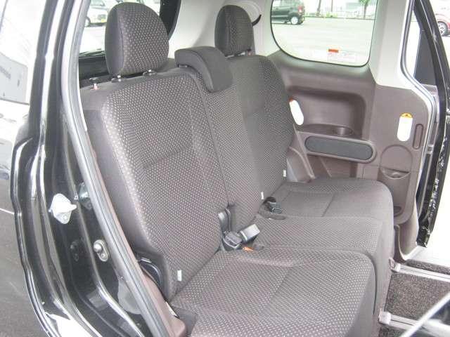 「運転席・助手席」 シートなどの状態も良く、目立つような傷や汚れはありません!