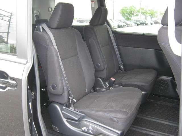 「キャプテンシート」 2列目シートはキャプテンシートで広々ゆったり! 運転席より快適かも!?