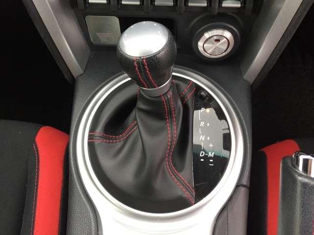 「マニュアルモード付きATシフト」 通常のDレンジでのドライブのほかMモードでのマニュアル感覚のドライブが選択可能です♪