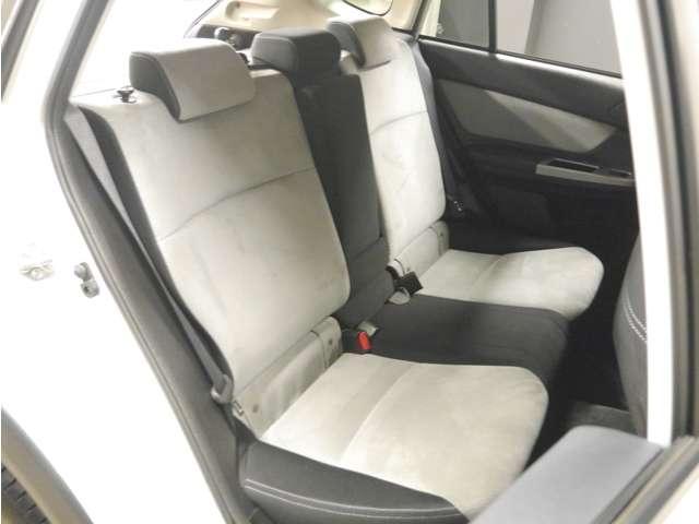 「スバル」「XVハイブリッド」「SUV・クロカン」「大阪府」の中古車16