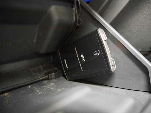 クロスアドベンチャー 4WD/フルセグナビ/ETC/1オーナー/保証付き(7枚目)