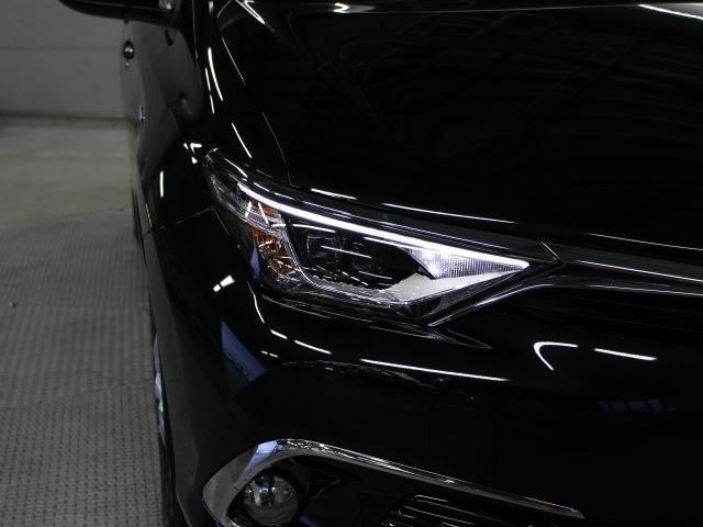 トヨタ オーリス ハイブリッド 登録済未使用車 TSS-C