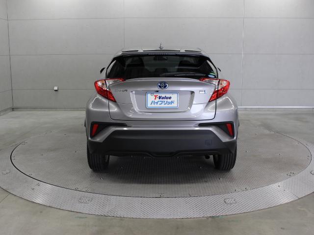 「もっといいクルマづくり」の実現に向けたクルマ」づくりの構造改革である、TNGA(Toyota New Global Architecture)の第2号車として投入した「C-HR」です。