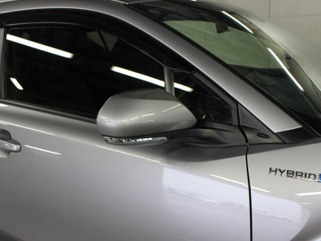 サイドターンランプ付きドアミラー。車両のドレスアップと右左折時の被視認性を兼ね備えたお洒落なミラーです。