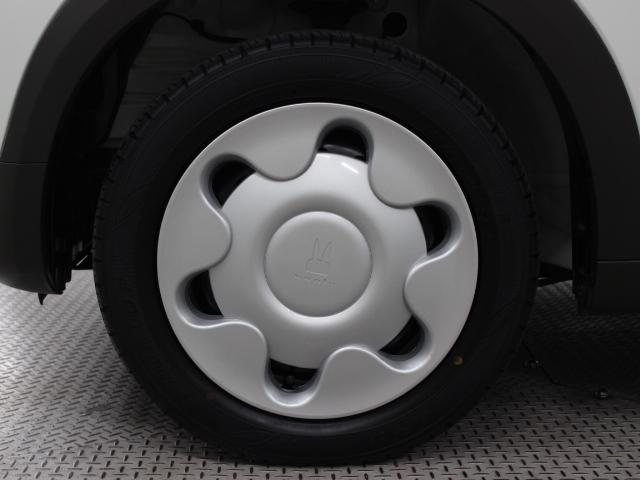 足元を汚れから守りスムーズな空気の流れに貢献するフルホイールキャップを装着しています。