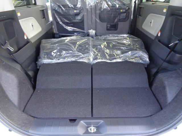 シートを倒せば大きな荷物も積み込み可能です♪