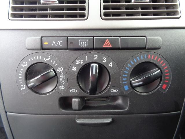カスタム VS キーレス 電動格納ミラー HIDライト マニュアルエアコン 純正CDデッキ 純正アルミ ブライトシルバーメタリック 2WD 660(19枚目)