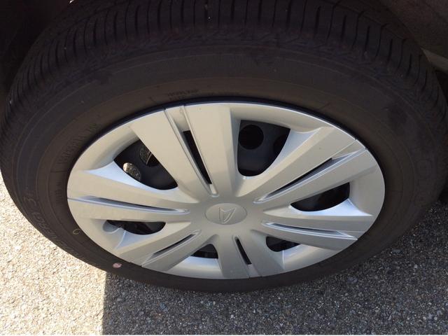 こちらのタイヤは安心の国内ブランド!タイヤ溝も残っていますので暫く交換の必要もございません。