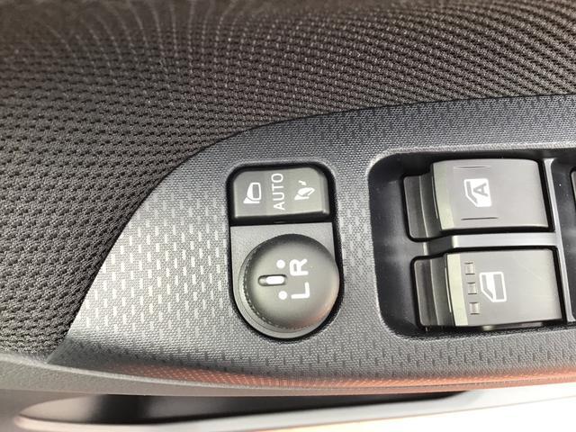 カスタム XリミテッドII SAIII 走行無制限1年保証 全方位カメラ LEDヘッドライト 踏み間違い防止 スマートキー(30枚目)