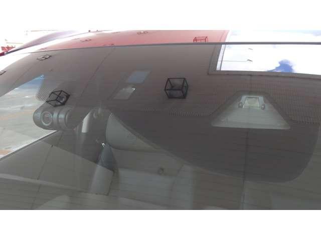 ハイブリッドZ・ホンダセンシング 衝突軽減ブレーキ フルセグナビ LEDヘッドライト LEDフォグライト ETC Rカメラ ACC 運転席&助手席シートヒーター 純正ドラレコ BT ミュージックラック USBジャック パドルシフト(19枚目)