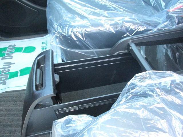トヨタ エスティマ アエラス プレミアムエディション8型HDDナビ11型モニター