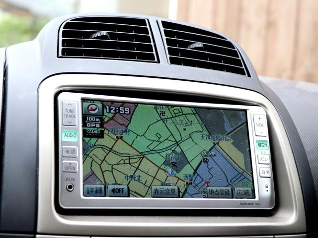 こちらお車は純正DVDナビ搭載しております★知らない土地でもナビがあれば安心してドライブできます!また地デジTVも見ることができますので、車内全員で楽しみながら、より良いドライブが出来そうです♪