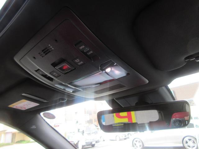 「レクサス」「UX」「SUV・クロカン」「大阪府」の中古車21