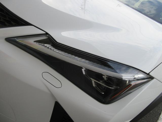 「レクサス」「UX」「SUV・クロカン」「大阪府」の中古車42