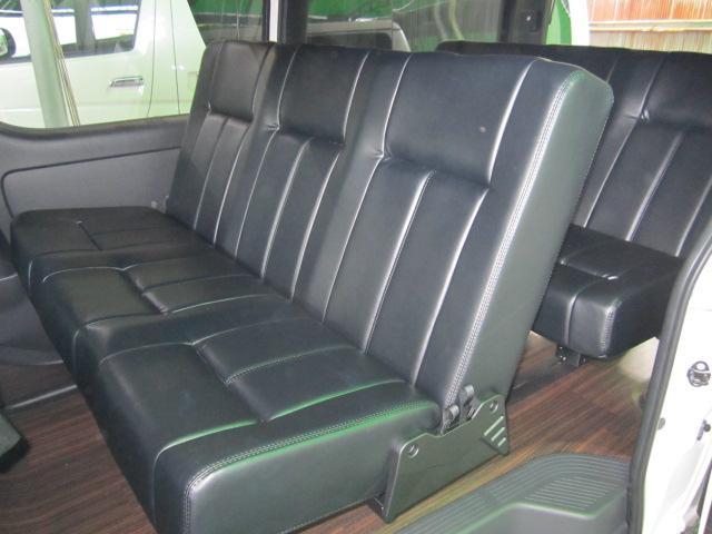 5型ダークプライムW トランスフォーム3 8名乗車バタフライ(2枚目)