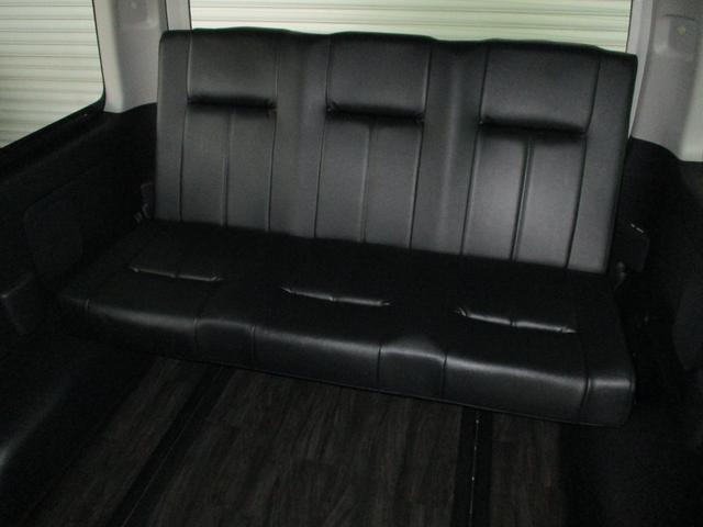 スーパーロングGL 2.8ディーゼルターボ 特設カラーホワイトパール 3ナンバー乗用変更10人乗り普通免許 レイヴ10 キャプテンシート ロングスライドベンチシート2脚(7枚目)