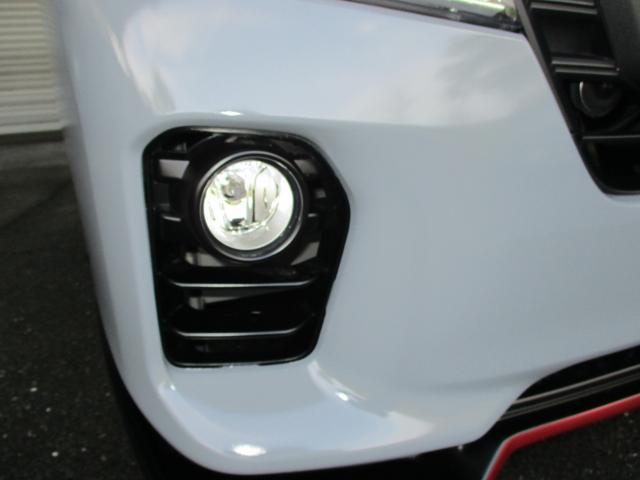 ロングプレミアムGX ブラックギアコンプリートエディション 16インチガンザーアルミ 専用内外装カスタム LEDヘッドランプ LEDフォグ ベッドキット 3Dマット 大型ナビ 大型ヘッドレストモニター(6枚目)